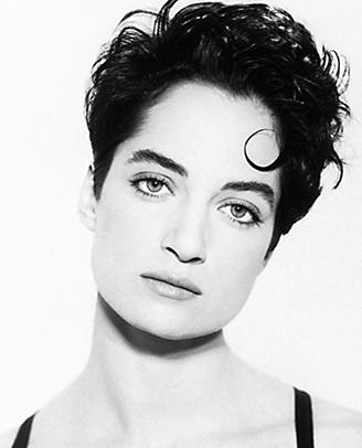 Schwarzweiss Portrait der jungen Schauspielerin Natalia Wörner